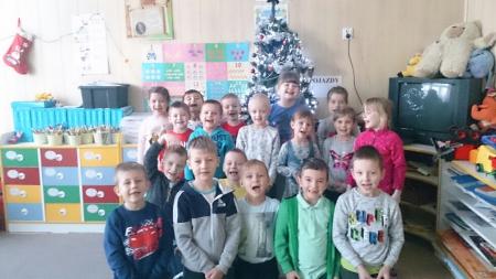 Zerówkowicze życzą wszystkim radosnych Świąt Bożego Narodzenia!