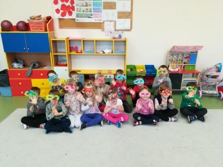 Przedszkolaki w karnawałowych nastrojach