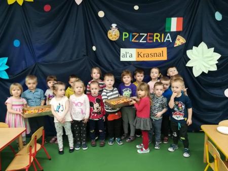 Krasnale i Zuchy świętują Dzień Pizzy