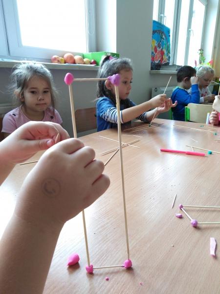 Pięciolatki i geometria. Poznajemy kształty i figury