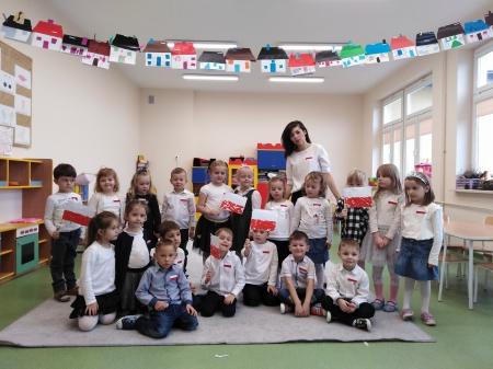 Barwy biało-czerwone w pięciolatkach. Świętujemy Dzień Niepodległości
